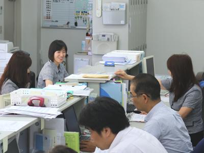 staff-office01